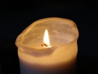 candle-1872734__340